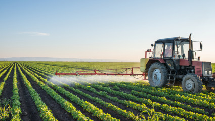 Pesticides et agriculteurs : un nouveau rapport explosif